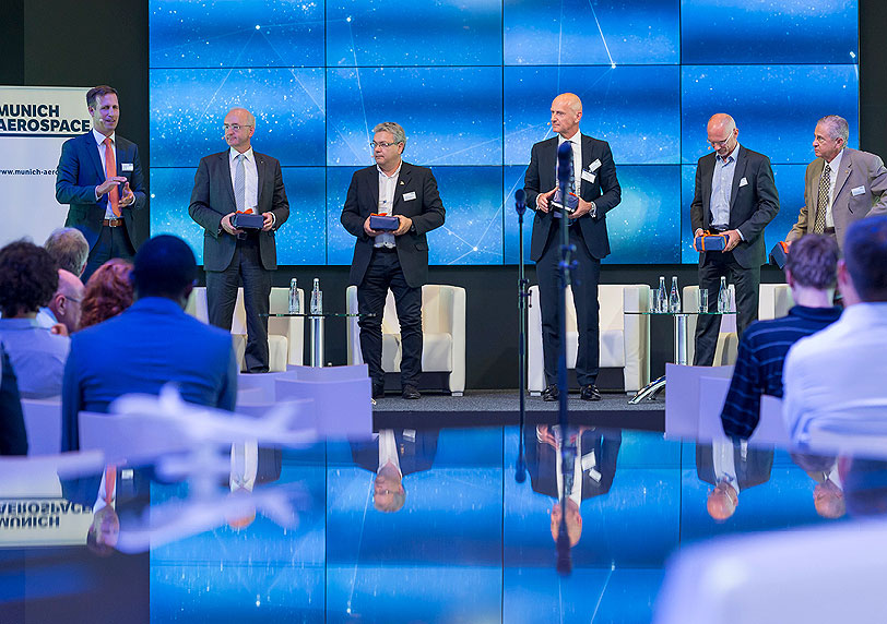 1. Global Aerospace Summit mit internat. Beteiligung